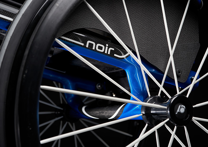 noir 2.0 blue essence frame detail